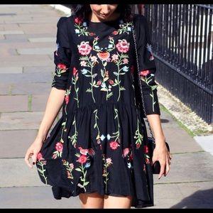 Zara Embroidered tunic black blogger favorite